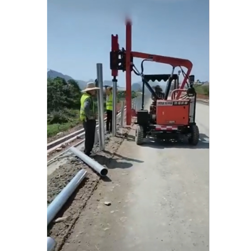护栏打桩机施工视频